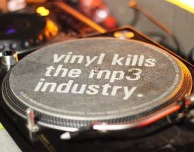 perchè-dovresti-collezionare-copertine di-vinili-o-dischi-in-vinile